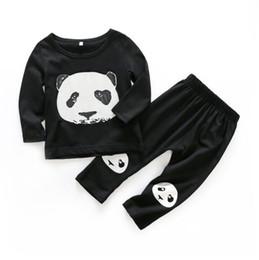 Panda outfits gesetzt online-New Spring Infant Baby Jungen Kleidung Set Kinder Panda Baumwolle Tops Tshirt + Pants 2 stücke Kinder Outfits Kleidung Anzug W116