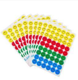 Canada MOONBIFFY Nouveau Mignon 10 feuilles (540pcs) Coloré Sourire Visage Autocollants Sticker Autocollant Enfants Enfants Enseignant Louange Mérite Bureau Offre