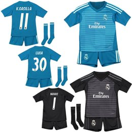 0d0c2c09ce114 18 19 Goleiro do Real Madrid NAVAS CASILLA Casa Verde Futebol Jersey Kids  Kit 2019 RM Fora COURTOIS LUCA GK Black Boys Futebol Jersey