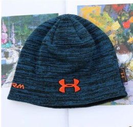 moda sombreros negros tejidos Sombrero de otoño gruesos y cálidos y  Skullies capó Gorro de punto suave Gorros de algodón 79115374265