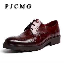 Wholesale thick soled wedding shoes - PJCMG New Men's Genuine Crocodile Pattern Leather Pointed Toe Thick soles Lace-Up Cowhide Dress Wedding Flat Oxford Men Shoes