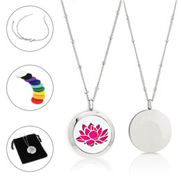 Wholesale free necklace patterns - New Arrival Free felt pads and chain! 25mm double heart stainless steel aroma necklace plant pattern essential oil diffuser locket pendant