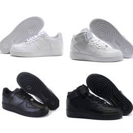 Wholesale Famous Massage - New Classical Men Womens For 1 One Running Shoes Air Famous Trainers Sports Skateboarding Shoes White Black Eur 36-46 Free shipping