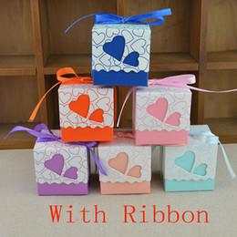 Scatole di taglio laser online-Scatole di caramelle per matrimonio festa di compleanno Festival doppio cuore vuoto cuore involucro di taglio del laser regalo scatola di carta con nastro Xmas HH7-1352