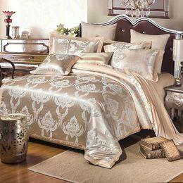 spitzen-duvetsets Rabatt Baumwolle Seide Spitze Bettbezug Sets Gold Silber Kaffee Jacquard Luxus Bettwäsche Set Für Heim Fleck Bett Anzug 155nt BBkk