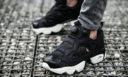 c5a4d17e01de Chinese 2018 Newest Top Version Boots Insta Pump Fury OG Classic Black And  White Reflective Mens