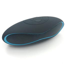 Canada Haut-parleurs sans fil Bluetooth Mini Haut-parleur mains libres Radio FM avec haut-parleur fort supplier strong radio Offre