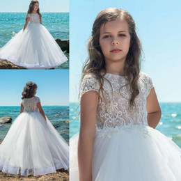 Wholesale pure white flower girl dresses - 2018 Flower Girls Dresses For Wedding Summer Beach Pure White Lace Appliques Organza Princess Cap Sleeve Kids Formal Wear Girl Pageant Gowns