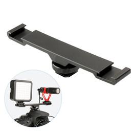 барные камеры Скидка 1pc Double Hot Shoe Mount Extension Bar Black Dual Flash Bracket For Micphone LED Night DSLR Camera 13.9 x 2.2 x 0.3cm