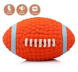 perro de látex Rebajas Perro Squeak Chew Ball Toys Pet Durable Latex Balls Juguete interactivo para cachorros Perros Rugby Fútbol Puppy Dentición Juguetes para masticar