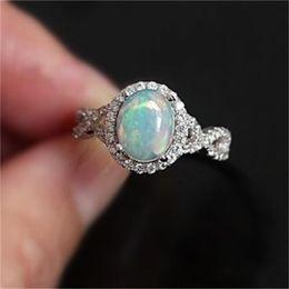 Mondstein diamant online-Funkelndes Silber überzogener geschaffener Edelstein-Feuer-weißer Opal-Diamant-Mondstein-Ring-Braut-Hochzeits-Verlobungs-feiner Schmuck