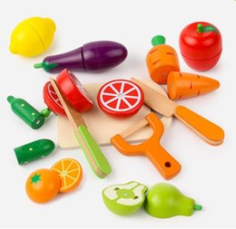 Wholesale Cutting Play Food - High Quality 8 pieces set Pretend Play Kitchens & Play Food Magnetic Wooden Toy Fruit and Vegetable Cutting Game Baby Educational Toys