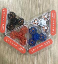 Jouets alimentés par usb en Ligne-Plastique Triangle Volant Gyro 6 Couleurs Alimentation Interface USB Jouets Pour Enfants Et Adolescents Vente Chaude Jouet Jeux Livraison Gratuite