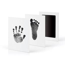 2019 cópia da mão do pé Bebê recém-nascido Handprint Pegada óleo Pad pintura Almofada De Tinta Foto Mão Pé Impressão Maravilhoso Lembrança inteligente sem tinta toque cópia da mão do pé barato