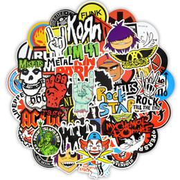 2019 presentes de rocha 100 PCS Rock Stickers Metálico Banda Decalques de Carro para a Festa Em Casa Decor DIY Laptop bagagem Guitarra Skate Bateria Moto Motocicleta Do Punk Brinquedos Presente presentes de rocha barato