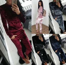 wholesale velvet suit set Coupons - Velvet sports two-piece long-sleeved sweater suit 2018 autumn and winter hot Europe and the United States casual fashion sportswear