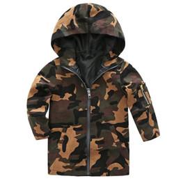 Los niños camuflan el abrigo de invierno online-Niños abrigo de camuflaje a prueba de viento moda niñas camo chaqueta con capucha abrigo invierno otoño niños rompevientos niños outwear