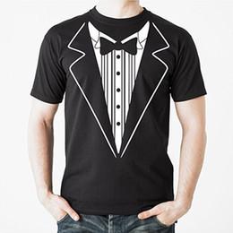2019 roupas de noivo Tuxedo Camiseta TUX Engraçado do baile de Finalistas Do Noivo Do Casamento Traje Outfit T shirt Tuxedo Com Bowtie Graohic T-Shirt roupas de noivo barato