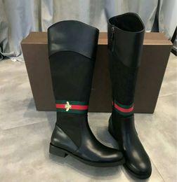 2019 botines morados sexy Botas de moda para mujer Zapatos de alta calidad para mujeres de alta calidad Botas de abeja Botas de estilo clásico Martin (con caja)
