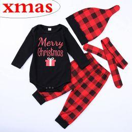 d74c25cf4db29 Joyeux Noël bébé noir rouge tenues à carreaux cadeau barboteuse + pantalon  + chapeau + bandeau quatre pièces un ensemble vêtements coton enfants  costume ...
