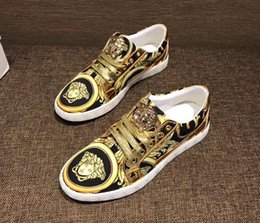 Wholesale Patent Leather Shoe Paint - Fashion bean shoes, gold thread embroidery, fashionable men's casual shoes, comfortable , lazy shoes, fine paint leather, driving shoes.n66