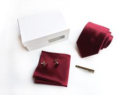 2019 grossistes cravates pour hommes bowties Cravate décontractée pour hommes 2018 sur mesure coffret robe de groupe personnel mariage meilleur homme marié achat chaud