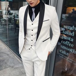 f37420acf03a vestiti bianchi italiani Sconti Abiti da sposa bianchi per uomo Abiti da  uomo 2018 Costume Mariage