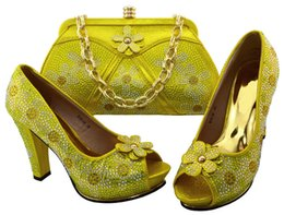 wedges bag set Promo Codes - Hot sale yellow women pumps with bag and flower design african shoes match handbag set for dress BCH-38