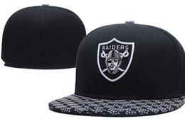 Размеры колпачков онлайн-Национальная команда установлены рейдерские шляпы Бейсбол вышитые команды письмо плоские поля шляпы бейсбольные кепки спортивные Шапеу для мужчин женщин