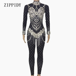 2019 mono negro de mujer Shining Crystals Black Jumpsuit Ropa de noche de mujer Celebrate Bodysuit Rhinestones brillantes Costume Female Cantante Birthday Outfit rebajas mono negro de mujer