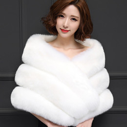 f67fdf4c2e9 2019 Winter Wedding Coat Bridal Faux Fur Wraps Warm shawls Outerwear Black  White Pink Korean Style Women Jacket Prom Party 150 40