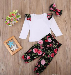 Wholesale ruffle sleeves tees - Cute Ins Baby girl Outfits New White Tee Top Ruffles sleeve + Retro Floral Printed bloomers with Bow headband Three-piece set New arrival B1