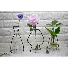 2019 abstrakte linien Schwarze Linien Vase Abstract Home Decor Minimalist Abstract Eisenvase Getrocknete Blumenvase Racks Nordische Blumenverzierungen rabatt abstrakte linien