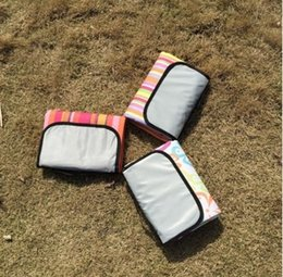 Esteras de playa a prueba de agua online-150x180cm Colchoneta de camping plegable Manta de picnic a cuadros Manta de escalada Manta de playa impermeable al aire libre Manta de alfombra de picnic