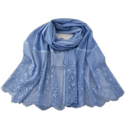 Cravatta fiori colorati online-2018, hijab in poliestere tinta unita, foulard tie-dye, impacchi per la testa, foulard in pizzo floreale, hijab floreale in pizzo musulmano, sciarpe scozzesi, scialli Hollow