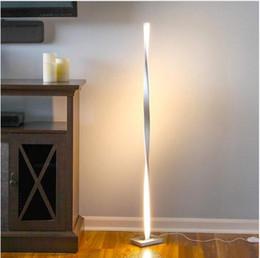 Получить светодиодные фары онлайн-Современные светодиодные торшеры для гостиных Получить комплименты Постоянный столб для семейных номеров Спальни Офисы Затемненное освещение