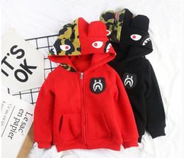 Los niños camuflan el abrigo de invierno online-Ropa para niños acolchada chaqueta caliente niñas invierno tiburones abrigo de algodón chaqueta niños camuflaje abrigo con capucha