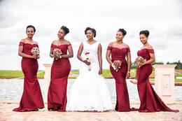 2019 vestidos de dama de honor más vendidos South African 2018 Hot Sell Borgoña Sirena Vestidos de dama de honor Elegante Off Shoulders Lentejuelas Superior Vestidos largos de fiesta de noche de invitados de boda rebajas vestidos de dama de honor más vendidos