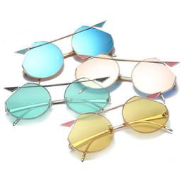 Wholesale colorful plastic sunglasses - Cat Eyes Dazzle Color Sunglasses Metal Sun Glasses Mirror Lens Women Sunglasses Colorful Eyewear 7 Colors 10pcs OOA4682