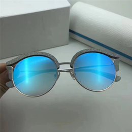 fba59c615a2 2018 Luxury Designer Sunglasses Womens UV400 Fashion Style Round Frame  Sunglass New Vintage Sun Glass For Beach Party Shopping