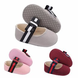 2020 vestidos infantiles de gran lazo Baby Girl Princess Shoes Infant Toddler Crib Kids First Walkers Mary Jane Striped Big Bow Vestido suave antideslizante con suela suave vestidos infantiles de gran lazo baratos