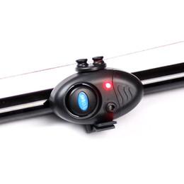 schwarze lichter zum angeln Rabatt Neue Angeln Elektronische LED-Licht Fischbiss Laut Sound Alarm Glocke Clip Auf Angelrute Schwarz Angelgerät Fischfinder