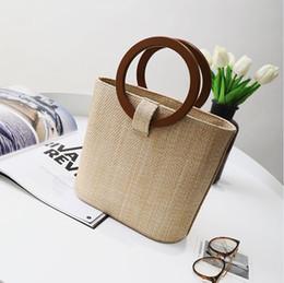 2018 nuevas mochilas europeas y americanas de moda mujeres paquetes de cintura táctica bolsa de playa bolso de hombro bolso femenino desde fabricantes