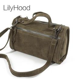645283dc9d29d LilyHood Weiblicher Wildleder-echtes Leder-Niet-Schulter-Beutel für Frauen-Freizeit-kleiner  Boston-Handtasche Nubuck Bowler-Umhängetasche Y18102203 ...