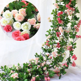 Decoraciones de hojas online-Flores Artificiales 2.45 M Seda Larga Flor de Rosa Ivy Vine Hoja Garland Wedding Party Decoración Del Hogar Guirnalda Favores de la boda