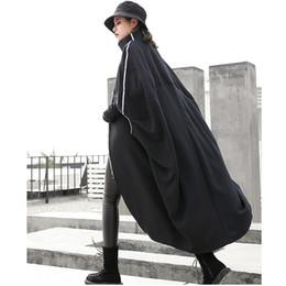 Abrigo de capa corta online-Manga corta Batwing Trench Coat Mujeres Long Streetwear Abrigos de mujer Cloak Cape Gotico Mujer Palto Windbreaker Patchwork H0025F