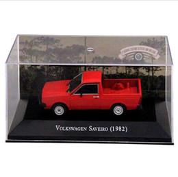 Vw modelli di auto online-IXO Scala 1:43 VW Saveiro 1982 Show automobilistico Modelli Giocattoli Collezione di automobili Edizione limitata Camioncino Rosso