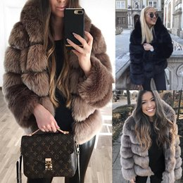 Abrigos peludos online-mujeres encapuchadas de la capa de piel de imitación de la vendimia corta peluda piel falsa del diseñador del invierno caliente gruesa chaqueta de la prendas de vestir abrigo de fiesta informal