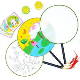 Nouveau! Blanc Blanc Ventilateur Rond Manche En Bois Kidgarden Art Classe Gland Enfants Enfants DIY Peinture Formation Art Peinture Amusement Chinois Fans De La Main ? partir de fabricateur