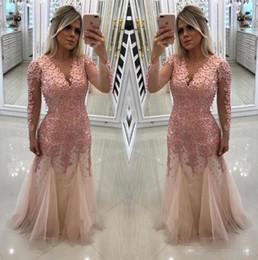 2019 vestidos de noiva com pérola rosa mãe Modesta rosa mangas compridas mãe de noiva noivo vestidos frisadas pérolas Top Illusion mangas compridas sereia vestidos de baile de noite BC0153 vestidos de noiva com pérola rosa mãe barato